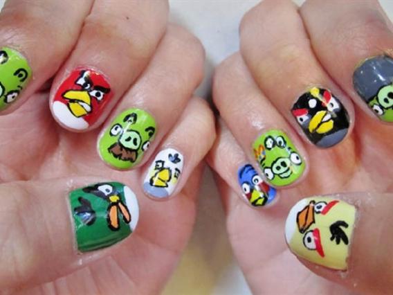 Как красиво накрасить ногти в домашних условиях?