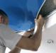 Как натягивают натяжные потолки?