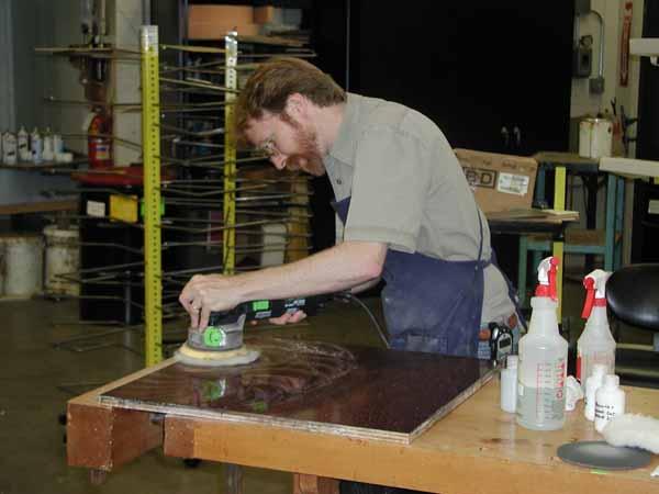 Как реставрировать деревянную мебель?