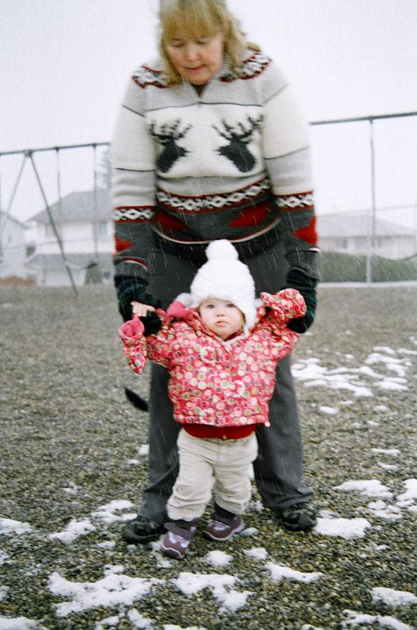 Как гулять с грудничком в мороз?
