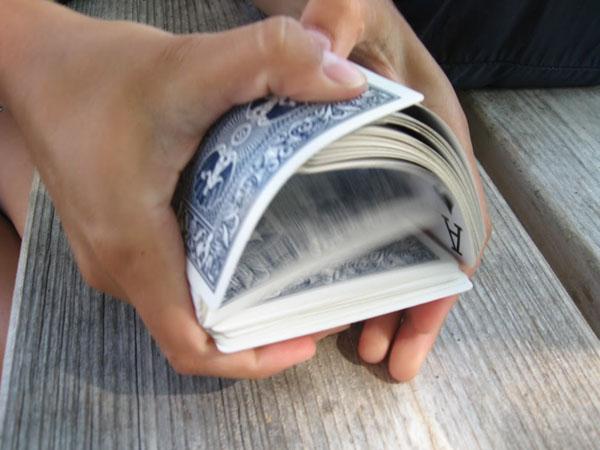 Как красиво тасовать карты?
