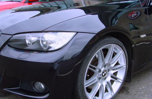 Воск обеспечивает блеск и защиту автомобиля до 60 дней.