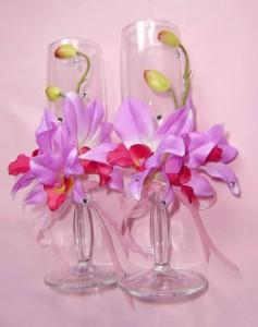 Украшение бокала цветами